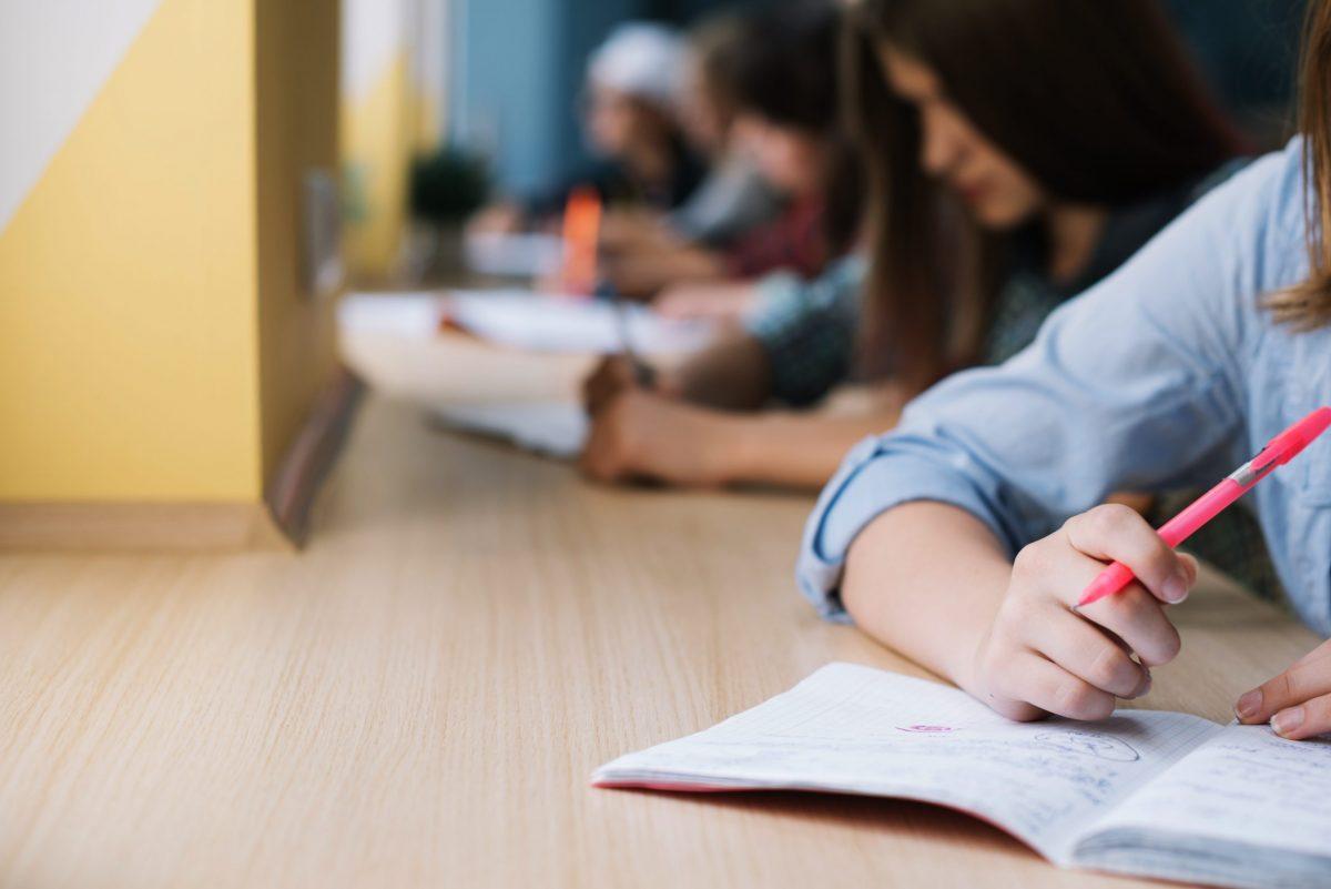 विश्वविद्यालयों ने अंतिम वर्ष की परीक्षाओं को लेकर तिथियां घोषित की।
